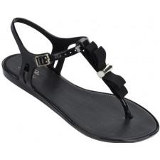 """Solar"" sandaal van het merk Melissa."